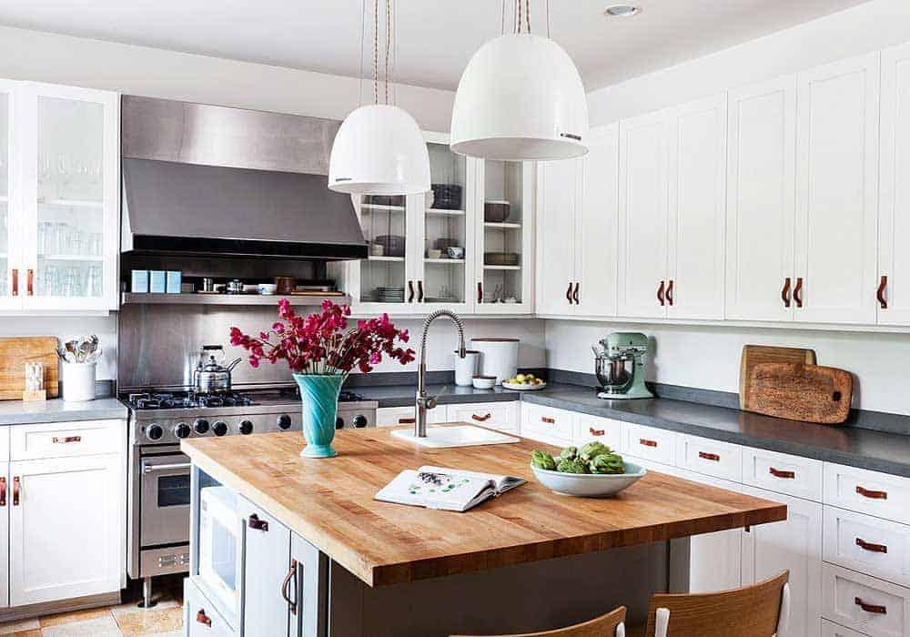 Stunning kitchen from melbourne kitchen mart for Kitchen design melbourne